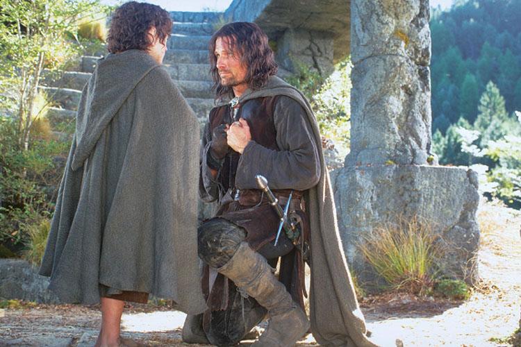 http://lesanneaux.free.fr/image/Frodo_Aragorn.jpg